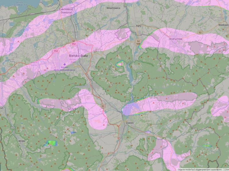Mapa pól falowych przy południowym wietrze w Beskidach.